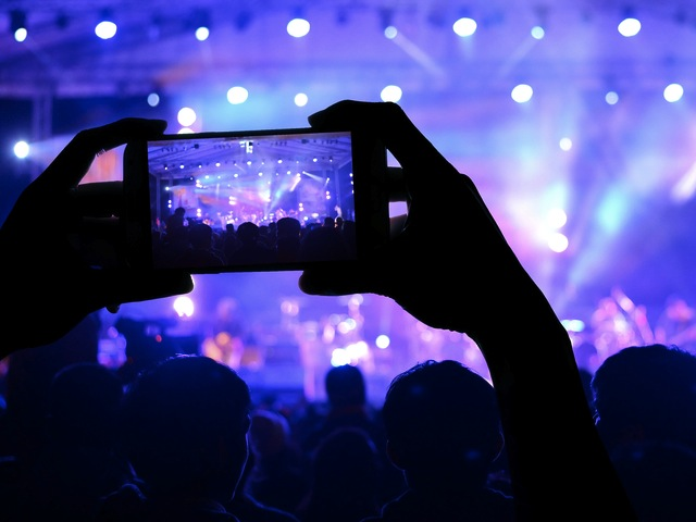 Live Streaming To Build Your Audience